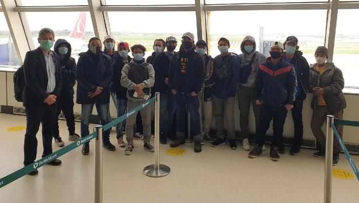 KBRI London pulangkan 14 pekerja migran Indonesia (PMI) yang bekerja sebagai anak buah kapal (ABK) Magan D.