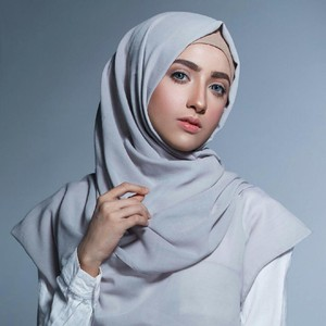 Mengenal Ima Habsyi, Pelukis Henna Langganan Artis Hingga Pejabat Indonesia