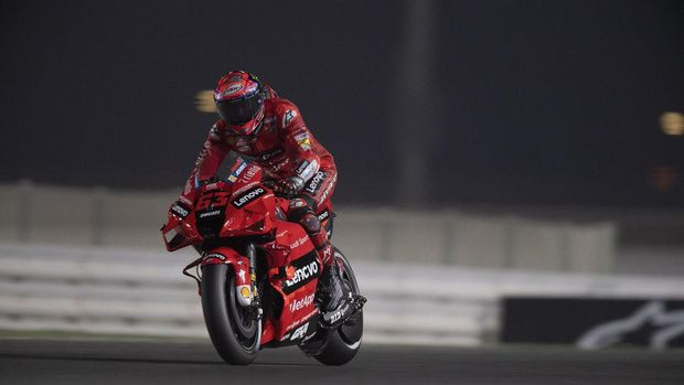 DOHA, QATAR - MARCH 26: Francesco Bagnaia of Italy and Ducati Lenovo Team heads down a straight during the MotoGP of Qatar - Free Practice at Losail Circuit on March 26, 2021 in Doha, Qatar. (Photo by Mirco Lazzari gp/Getty Images)