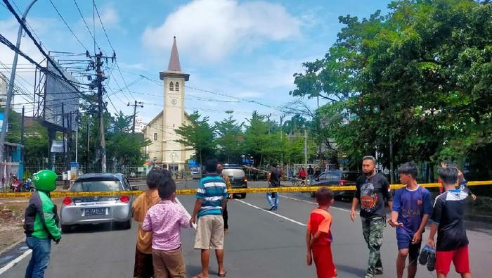 Ledakan di Gereja Katedral Makassar (Foto: Ibnu Munsir/detikcom)