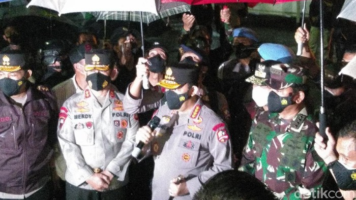 Panglima TNI dan Kapolri di lokasi bom bunuh diri di Makassar (Hermawan/detikcom)