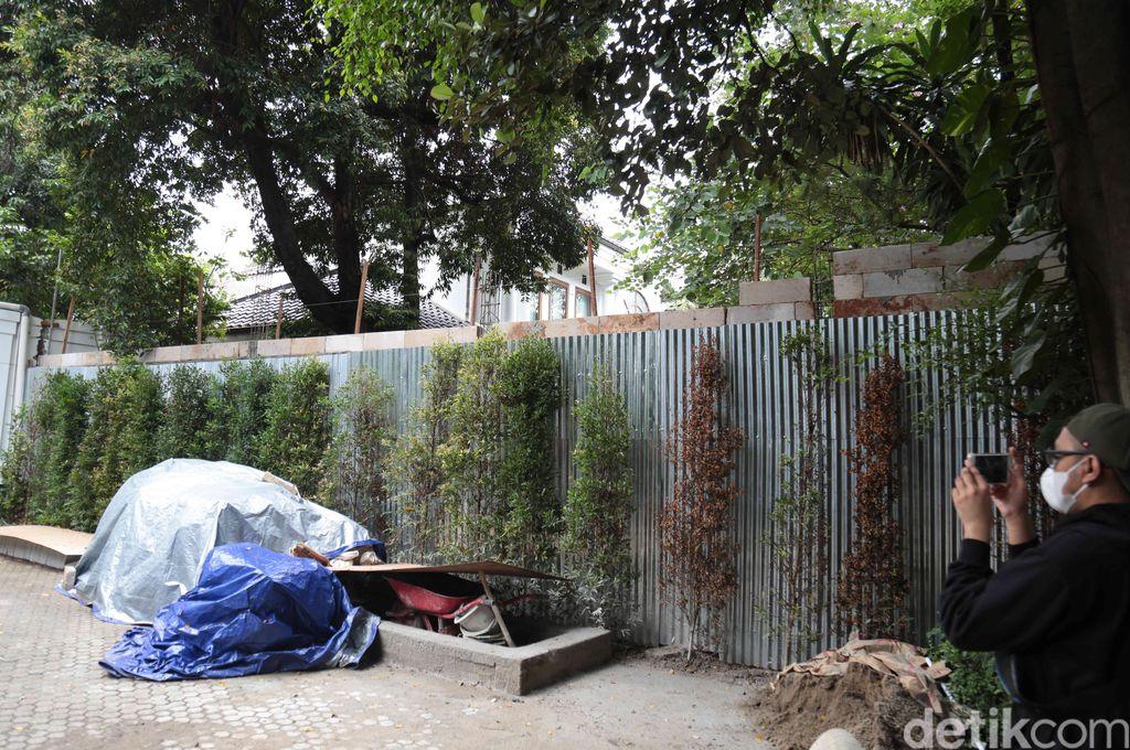 rumah Desiree Tarigan dan Hotma Sitompul dibatasi