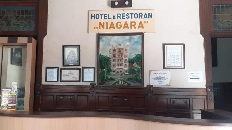 Hotel Niagara di Jalan Dr Wahidin, Lawang, Kabupaten Malang sempat viral melalui video yang dibumbui cerita horor. Kini, pengelola hotel membantah isi cerita horor tersebut.