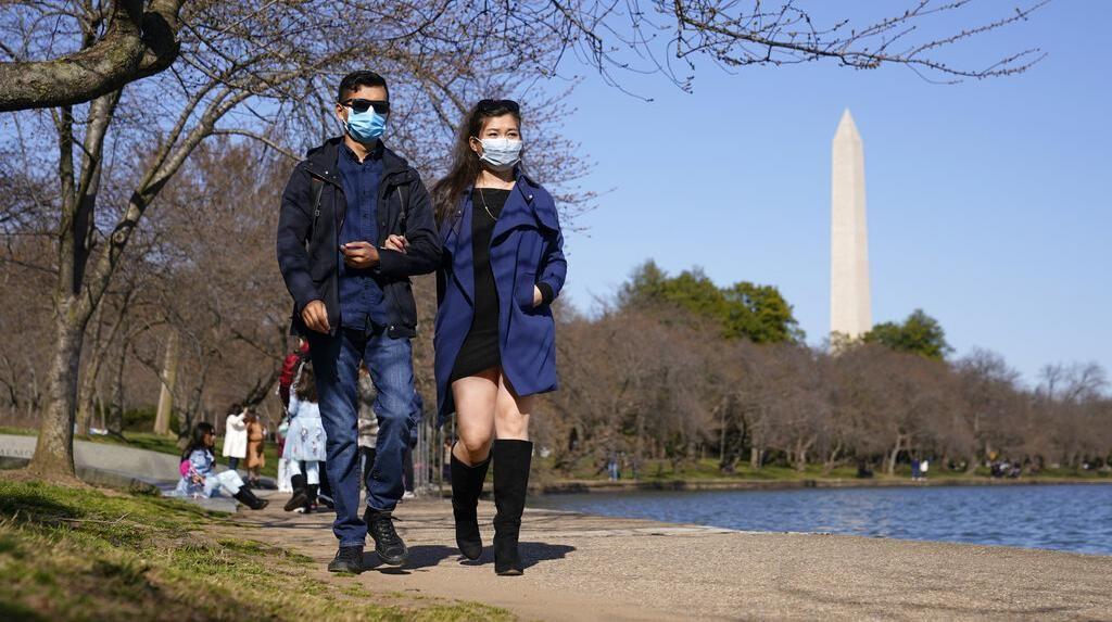 Kasus Covid-19 di AS Meningkat, Masker Kembali Diwajibkan