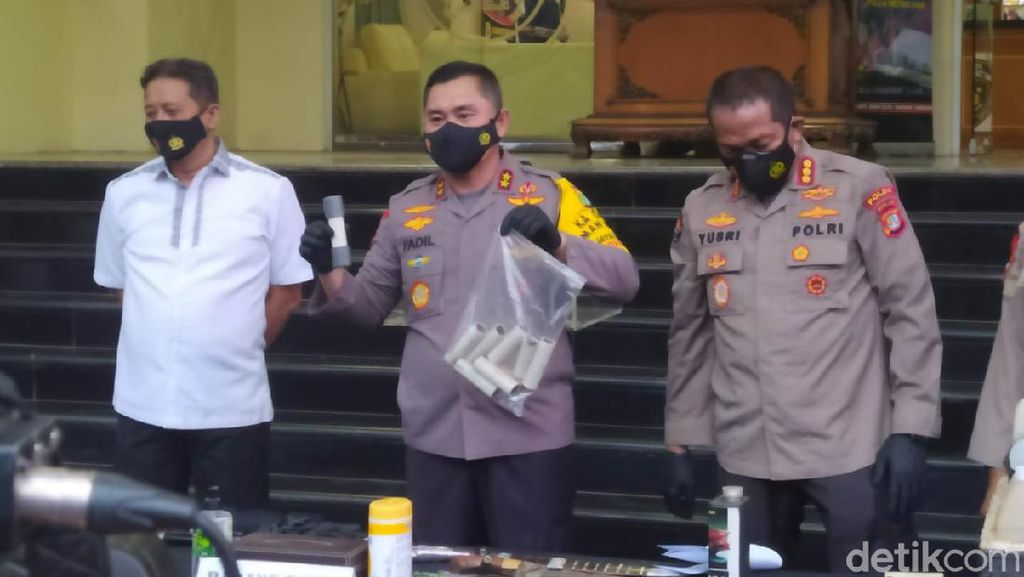 3,5 Kg Bahan Peledak Ditemukan di TKP Condet-Bekasi, Bisa Jadi 70 Bom Pipa