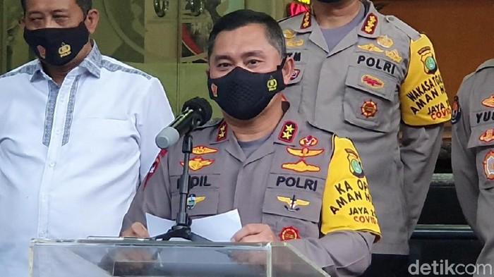 Kapolda Metro Irjen Fadil Imran jumpa pers penangkapan terduga teroris di Jakarta dan Bekasi