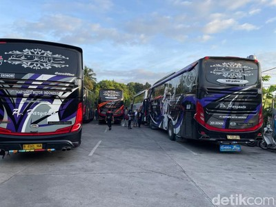 Bus PO Haryanto Bertabur Lampu-Boneka, Ini Alasannya