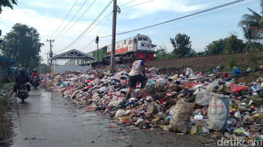 Produksi Sampah 1.200 Ton, DLHK Karawang Akui Kewalahan