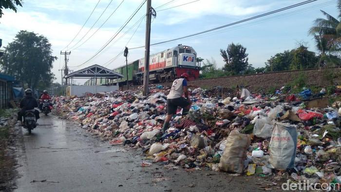Produksi sampah di Karawang 1.200 ton per hari, pemerintah kewalahan