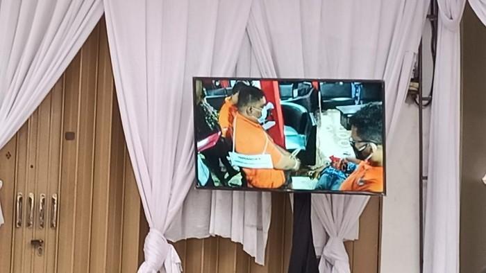 Rekonstruksi kasus penembakan di RM Cafe Cengkareng (Karin-detikcom)