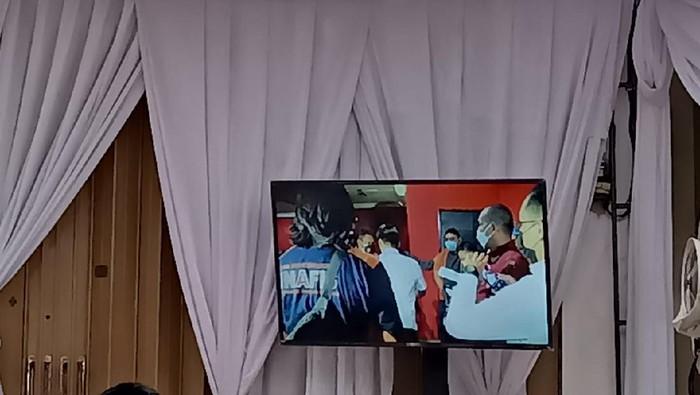 Rekonstruksi Penembakan Bripka CS di Cengkareng