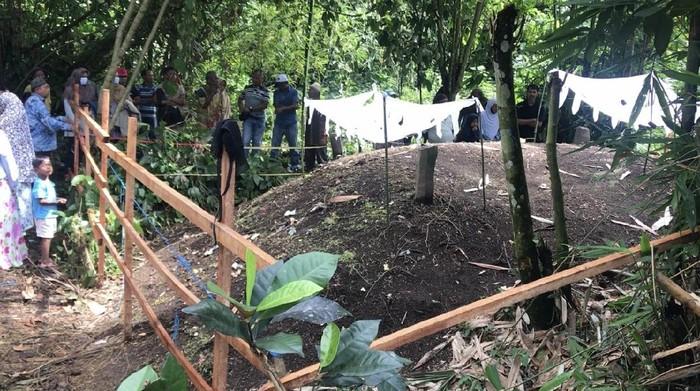 Tanah kuburan di Padang Pariaman, Sumbar meninggi hingga 1,5 meter (Jeka Kampai-detikcom)