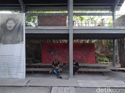 Tempat duduk Gibran Rakabuming Raka yang viral disebut meja, MasDon Art Center, Solo, Senin (29/3/2021).