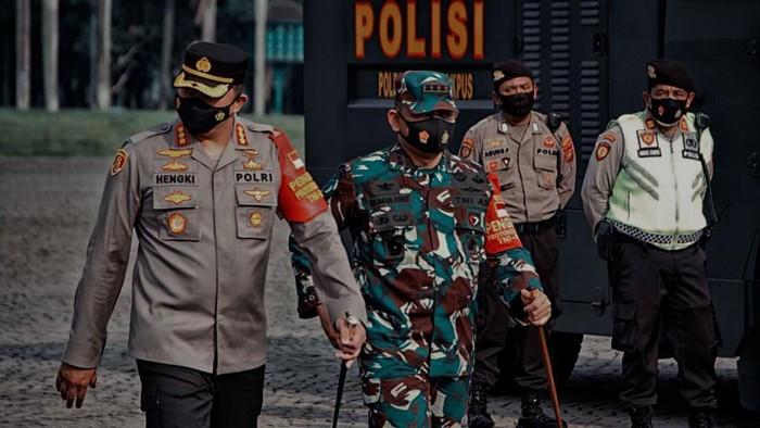 TNI-Polisi menggelar patroli skala besar di Jakpus. Foto dikirim Kapolres Jakpus Kombes Hengki Haryadi.