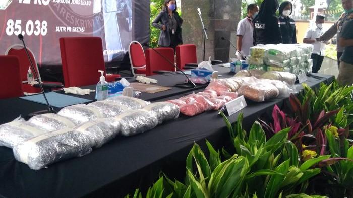 Bareskrim Ungkap Kasus Narkoba Jaringan Sumatera-Malaysia, Sita 42,3 Kg Sabu (Foto: Adhyasta/detikcom)