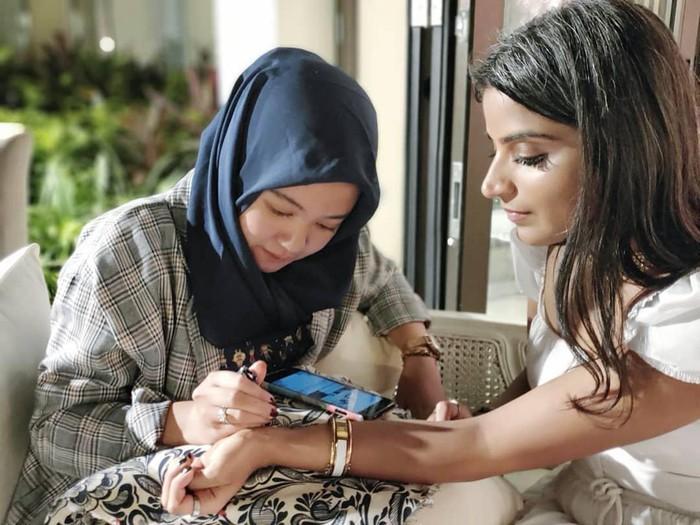 Bisnis henna di tengah pandemi.