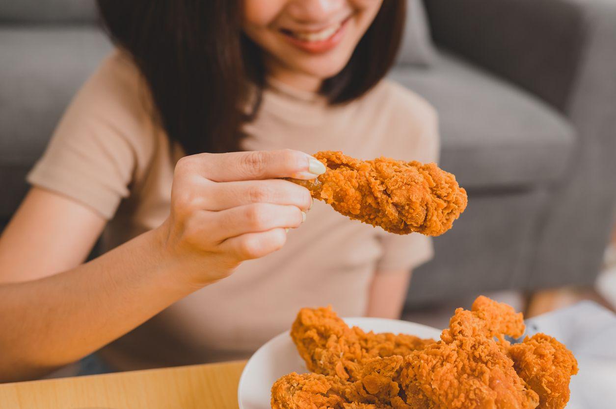 Cemburu Pacarnya Jajan Chicken Nugget Sendirian, Cowok Ini Minta Putus