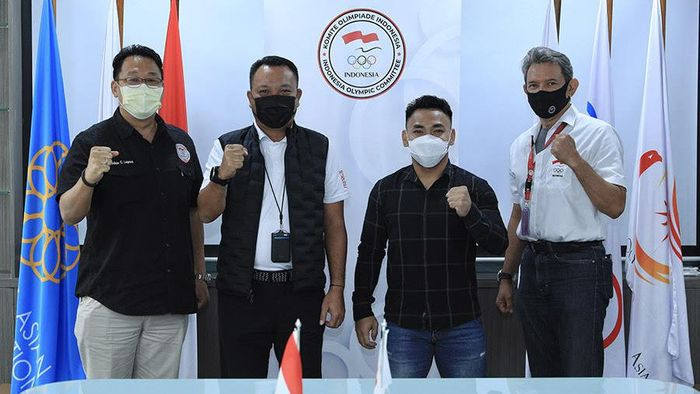 Eko Yuli Irawan tak masuk ke daftar lifter Indonesia ke Kejuaraan Asia Angkat Besi di Uzbekhistan.