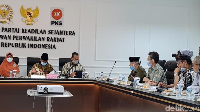 Fraksi PKS bertemu tokoh TP3 6 Laskar FPI