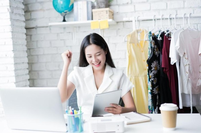 Ilustrasi bisnis online