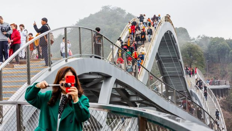 Jembatan kaca di Provinsi Zhejiang.