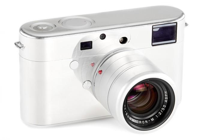 Prototipe Leica yang didesain oleh Jony Ive, desainer iPhone.