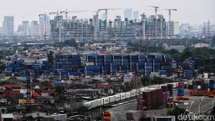 Pertumbuhan ekonomi Indonesia masih menghadapi ancaman pandemi COVID-19. OECD memproyeksikan pertumbuhan ekonomi Indonesia berada di level 4,9% di tahun 2021.
