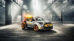 Ini Mobil Listrik MINI yang Jadi Safety Car Formula E
