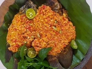 Masak Masak :  Pecak Gurame Khas Betawi yang Pedas Nendang