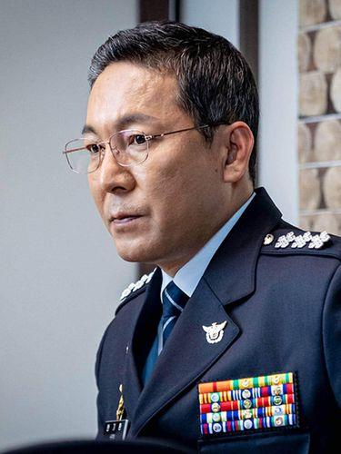 Pemain Beyond Evil, Choi Jin Ho