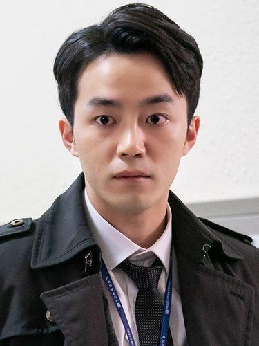 Pemain Beyond Evil, Han Joo Won
