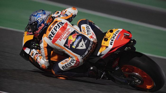 DOHA, QATAR - MARCH 26: Pol Espargaro of Spain and Repsol Honda Honda rounds the bend during the MotoGP of Qatar - Free Practice at Losail Circuit on March 26, 2021 in Doha, Qatar. (Photo by Mirco Lazzari gp/Getty Images)