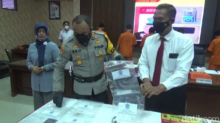 Polisi menetapkan dua tersangka insiden bus maut di Sumedang