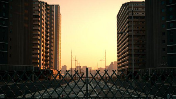Suasana pun tak ubahnya adegan film kiamat, di mana pagar bertuliskan dilarang masuk menutup akses menuju kawasan tersebut. Ketika matahari terbenam, suasananya malah tampak mencekam (Twitter)