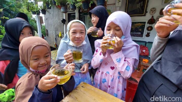 Anak-anak merasakan manfaat dari mengonsumsi daun kelor