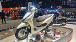 PCX 160 Kalah! Ini Honda Lead 125 yang Bagasinya Muat 2 Helm