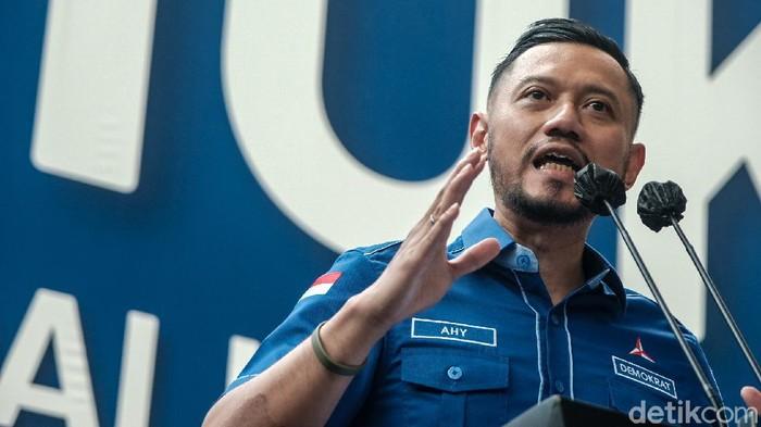 Ketum Demokrat, Agus Harimurti Yudhoyono (AHY), menggelar konferensi pers usai Kepengurusan KLB PD Moeldoko Ditolak