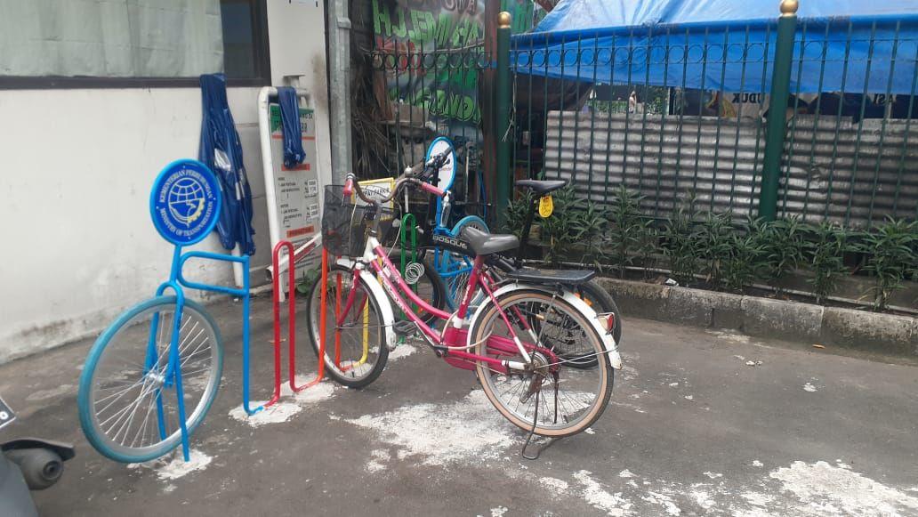 Kondisi parkir Sepeda di Stasiun Klender