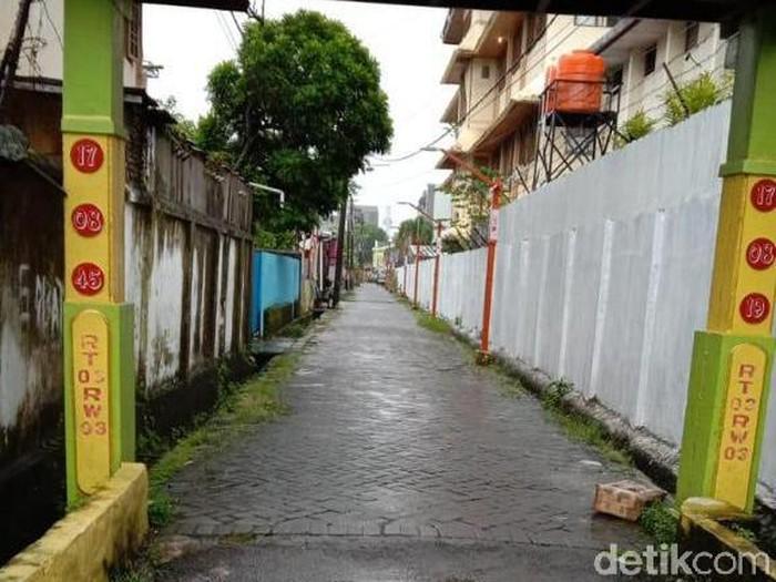 Kotak mencurigakan bertuliskan Islam X ditemukan di Makassar, Sulsel. (Dok. Istimewa)