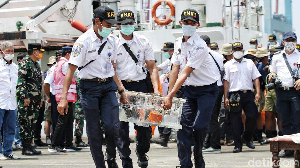 KNKT Berhasil Unduh Rekaman Percakapan Kecelakaan dari CVR Sriwijaya Air