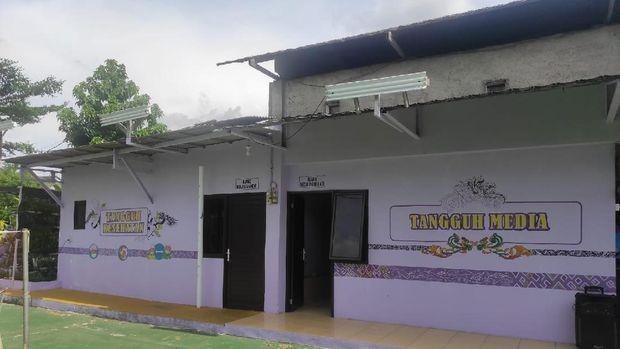 Fasilitas di Kampung Tangguh Jaya RW 15 Kelurahan Bojong Nangka, Kecamatan Kelapa Dua, Kabupaten Tangerang. Foto dirikim Kompol Awaludin.