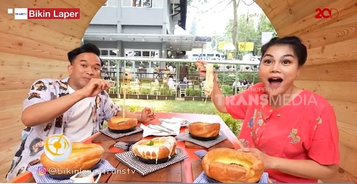 Bikin Laper! Icip-icip Pancake Mozarella Kekinian di Bandung