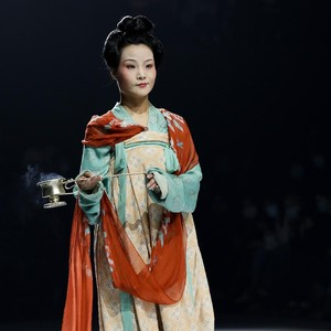 10 Foto China Fashion Week 2021 yang Digelar Saat Pandemi