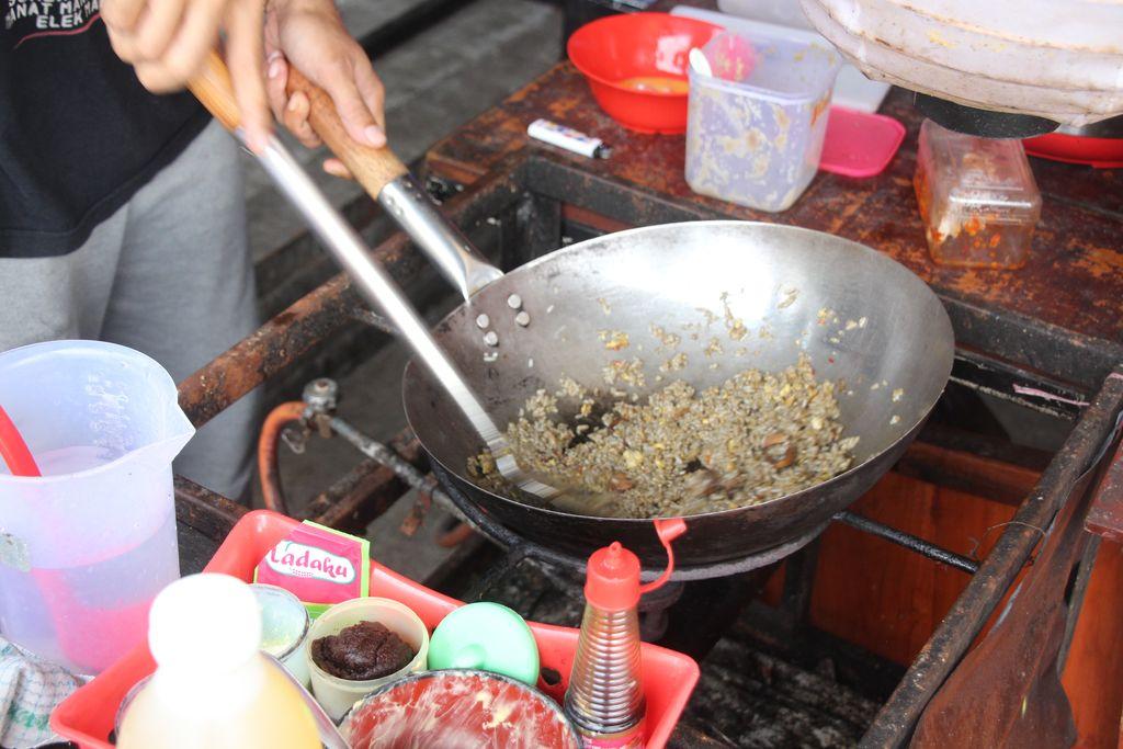 Cumicumi Pandang : Gurih Nampol! Nasi Goreng Cumi dan Crazy Rice Asians