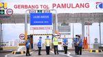 Momen Jokowi Tinjau Tol Pamulang-Serpong yang Baru Diresmikan