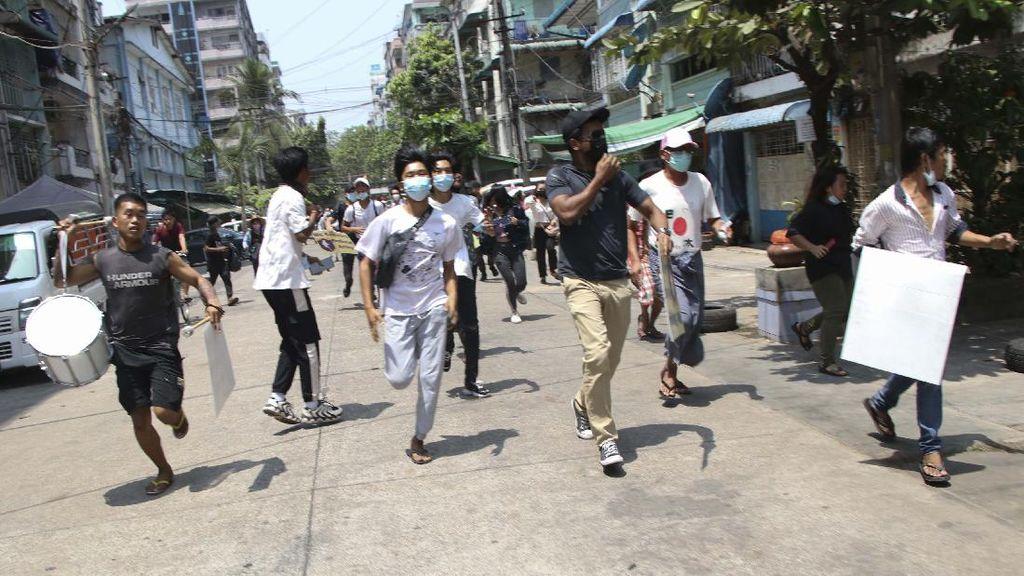 Pasukan Junta Myanmar Tembaki Masjid di Mandalay, 1 Orang Tewas