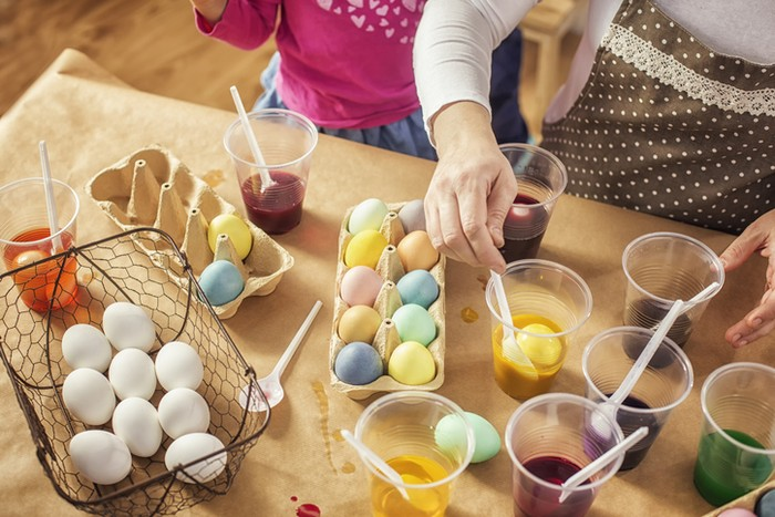Cara Membuat Telur Paskah dengan Pewarna Alami yang Aman