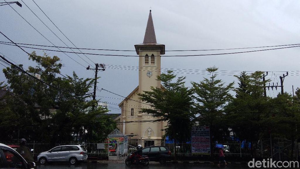 Cerita Jemaat Gereja Katedral Makassar Tetap Antusias Ibadah Misa Jumat Agung
