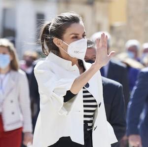 Tajir Melintir, Ratu Letizia Ternyata Tak Minder Pakai Baju Lama