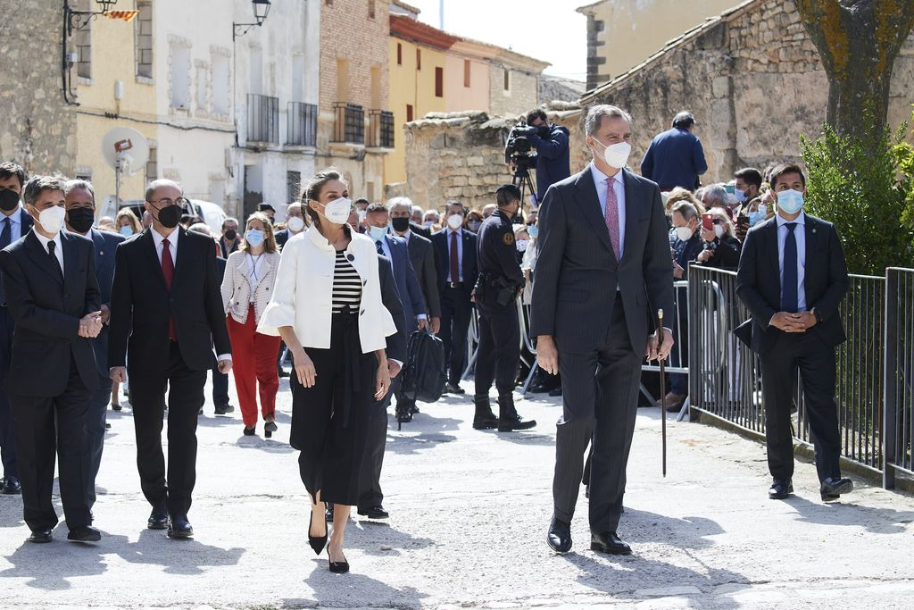 FUENDETODOS, SPAIN - MARCH 29: King Felipe VI of Spain and Queen Letizia of Spain visit Fuendetodos on the occasion of the 275th anniversary of Goya's birthday on March 29, 2021 in Fuendetodos, Spain. (Photo by Carlos Alvarez/Getty Images)
